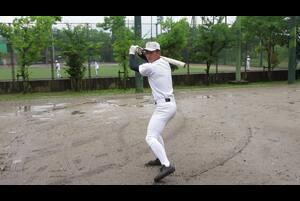 山田健太/YAMADA KENTA<br /> 大阪桐蔭高/183センチ85キロ/右投右打<br /> 勝負強いバッティングは甲子園でも実証済み。