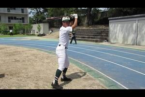 小園海斗/KOZONO KAITO<br /> 報徳学園高/178センチ73キロ/右投左打<br /> 2年で高校日本代表入り。走攻守3拍子すべてに高い評価を得ている