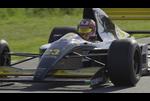 1992年型ミナルディF1マシンが復活 ランボのF1用V12エンジンが咆哮(公式プロモーションビデオ)