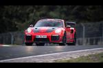 ポルシェ911 GT2 RS MRがニュルブルクリンク北コースにおける市販車最速タイムレコードを更新