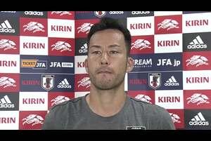 サッカー・日本代表は4日、キリンチャレンジカップ2019のパラグアイ代表戦(5日、鹿島)FIFAワールドカップカタール2022アジア2次予選のミャンマー代表戦(10日、ヤンゴン)へ向けて茨城県鹿嶋市内で合宿3日目の練習を行った。練習後、吉田麻也選手(サウサンプトン/イングランド)が取材に応じた。<br /> <br /> <br /> <テレビ東京スポーツ><br /> テレビ東京が運営するスポーツメディア「テレビ東京スポーツ」にて、サッカー解説者のセルジオ越後が様々なスポーツについて語る企画。<br /> <br /> 卓球、ソフトボール、競馬、野球、サッカーなどのスポーツ情報を発信。テレビ東京独自の取材、現役選手・監督の貴重なインタビューなども随時掲載<br /> https://www.tv-tokyo.co.jp/sports/<br /> <br /> <追跡LIVE!SPORTSウォッチャー><br /> 月~金曜夜11時58分/土曜夜11時/日曜夜10時54分<br /> http://www.tv-tokyo.co.jp/sportswatcher/