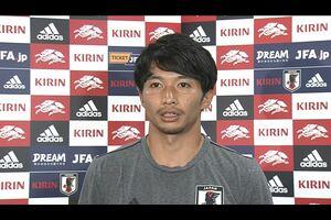 サッカー・日本代表は4日、キリンチャレンジカップ2019のパラグアイ代表戦(5日、鹿島)FIFAワールドカップカタール2022アジア2次予選のミャンマー代表戦(10日、ヤンゴン)へ向けて茨城県鹿嶋市内で合宿3日目の練習を行った。練習後、柴崎岳選手(デポルティボ)が取材に応じた。<br /> <br /> <br /> <テレビ東京スポーツ><br /> テレビ東京が運営するスポーツメディア「テレビ東京スポーツ」にて、サッカー解説者のセルジオ越後が様々なスポーツについて語る企画。<br /> <br /> 卓球、ソフトボール、競馬、野球、サッカーなどのスポーツ情報を発信。テレビ東京独自の取材、現役選手・監督の貴重なインタビューなども随時掲載<br /> https://www.tv-tokyo.co.jp/sports/<br /> <br /> <追跡LIVE!SPORTSウォッチャー><br /> 月~金曜夜11時58分/土曜夜11時/日曜夜10時54分<br /> http://www.tv-tokyo.co.jp/sportswatcher/