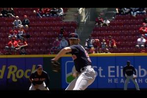 【SPOZONE MLB】<br /> 日本時間19日に行われたレッズ戦に先発したインディアンスのシェーン・ビーバー投手の投球ダイジェスト映像です。