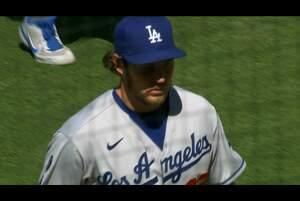 【SPOZONE MLB】<br /> 日本時間19日に行われたパドレス戦に先発したドジャースのトレバー・バウアーの投球ダイジェスト映像です。