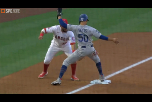 【MLB】タッチがムーキー・ベッツの急所に直撃!? 5.9