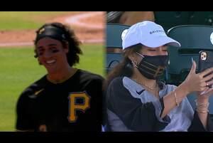 【SPOZONE MLB】<br /> 日本時間13日に行われたブルージェイズ戦でパイレーツのコール・タッカーはスタンドに来ている彼女の前で二塁打を放ちヘッドスライディングのハッスルプレイを魅せた。