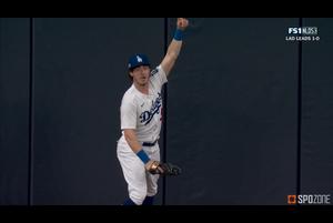 【MLB】ベリンジャーのとんでもないホームランキャッチ!! 10.8 パドレス@ドジャース