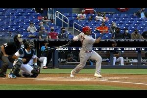 【SPOZONE MLB】<br /> 日本時間6日に行われたマーリンズ戦に出場したカージナルスのヤディアー・モリーナが通算382本目となる二塁打を放った。