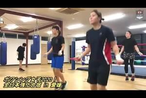 女子ボクサー、ファイト!第3次強化合宿の筋力トレーニング