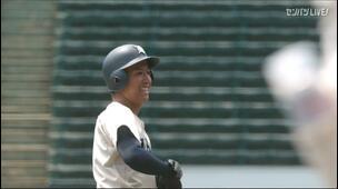 【甲子園交流試合】花咲徳栄 - 大分商 6回表 大分商・末田 龍祐の打席。二死一、三塁、悪送球の間にランナー生還。一点返す。