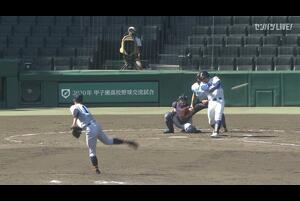 【甲子園交流試合】加藤学園 - 鹿児島城西 9回表 鹿児島城西・砂川 侑弥の打席。一死一塁、レフトへのヒット。ファンブルにより送球が乱れ、一点返す。