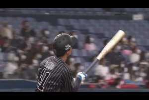 1回裏 1アウトランナーなしの場面。北海道日本ハム・加藤貴之がインコースに投じた直球をオリックス・佐野皓大が完璧に捉えると、打球はレフトスタンド5階席に飛び込む一発に!! 今季第1号のホームランで幸先良く先制に成功!! 2021/4/11 オリックス・バファローズ 対 北海道日本ハムファイターズ