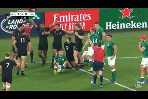 いよいよ決勝トーナメントがはじまったラグビーワールドカップ2019日本大会。19日はイングランド対オーストラリア、ニュージーランド対アイルランドの2試合が行われた。<br /> <br /> まずはイングランドが前回大会準優勝のオーストラリアを撃破しベスト4へ一番乗りを決め、続いてニュージーランドがアイルランドに強さを見せつけ3連覇に向けて歩みを進めた。<br /> <br /> ◇ハイライト<br /> イングランド40-16オーストラリア<br /> https://teamrugby.jp/news/396/<br /> <br /> ニュージーランド46-14アイルランド<br /> https://teamrugby.jp/news/397/