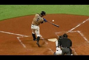 【ベースボールLIVE】豪快に振り抜く!大田泰示2点タイムリー三塁打で追加点!<4/27 ソフトバンク vs. 日本ハム>