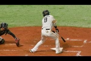 【ぐるっとカメラ】左手離れてますよ・・・柳田の秘技にまたしてもあ然<8/12 ソフトバンク vs. オリックス>