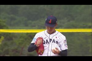 1回表、先発・浅田が一打先制のピンチを外角の真っ直ぐで空振り三振に抑える