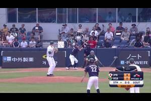 5回表、武岡が0アウト1,2塁からレフトへのタイムリーヒット