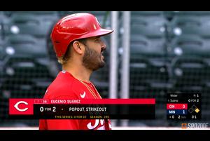 【SPOZONE MLB】<br /> 6回には同点打となるタイムリーツーベースヒット、10回には貴重な追加点となるタイムリーヒットを放ったレッズのエウヘニオ・スアレスがSPOZONE Today's Match MVPに選出!!