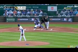 【SPOZONE MLB】1回表、ホワイトソックスはヒメネスの3ランホームランでリードを4点に広げた。