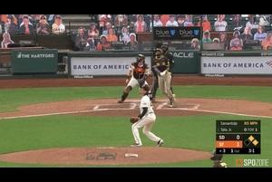 【SPOZONE MLB】1点ビハインドで迎えた3回表、パドレスはタティースJr.に3ランが飛び出し逆転に成功した。