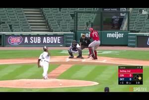 【SPOZONE MLB】レッズのカステヤーノスは、古巣タイガースの本拠地、コメリカ・パークでのダブルヘッダーの第1試合で2発を放つ活躍を見せた。