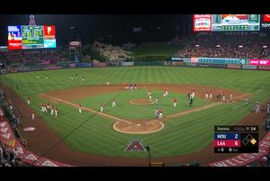 【スポーツナビMLB】7/17(日本時間)本拠地でのアストロズ戦、エンゼルス2番手のN・ラミレスが6回表の先頭打者マリスニックに死球を与えた。マリスニックは先日の試合でエンゼルスの捕手ルクロイを負傷させた当事者だっただけに、場内は騒然となり、一塁プホルスがアストロズベンチからのヤジに反応。一触即発の雰囲気となった。