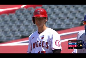 【スポーツナビMLB】<br /> 日本時間17日エンゼルスの本拠地で行われているドジャース戦の2回裏先頭打者の大谷翔平の第1打席はライトへのヒット。