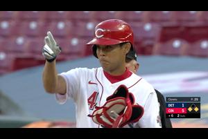 【スポーツナビMLB】レッズの秋山翔吾はタイガースとの開幕戦、6回裏二死1・2塁のチャンスに代打で登場し、メジャー初打席でセンターへのタイムリーを放った。