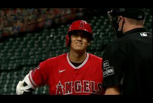 【スポーツナビMLB】6回表、エンゼルスの大谷翔平は厳しい判定での見逃し三振に倒れた。