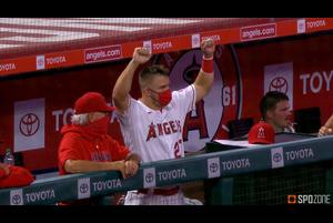 【MLB】4回裏 一発攻勢で5点を挙げるエンゼルス 8/12 エンゼルスvs.アスレチックス