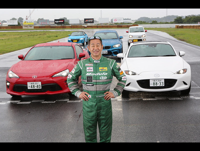 土屋圭市が2ペダルスポーツカーを斬る! Drift King Tsuchiya Keiichi two pedal AT circuit test