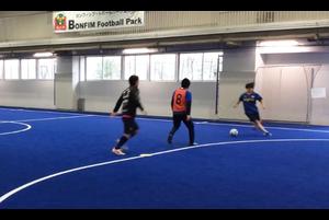 【サッカー練習メニュー】ボールを運ぶ/ドリブル/2対1の中で判断をもとに技術を使おう