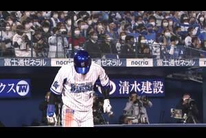7回裏、桑原選手が右中間へのツーベースヒットを放ち猛打賞を飾る!!