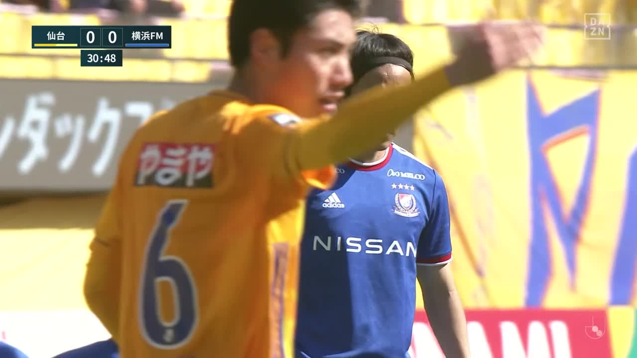 仙台・ヤクブ スウォビィク、右手パンチングによる好セーブで相手のゴールを許さず!【第9節】仙台 vs 横浜FM