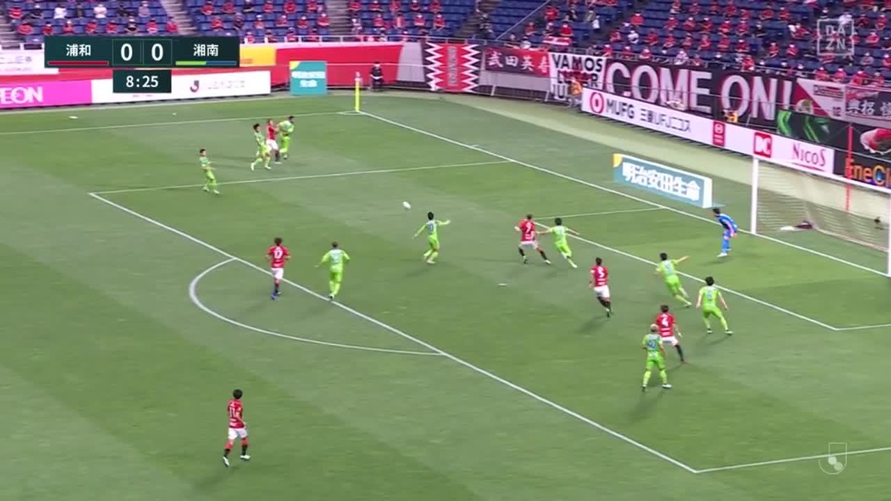 浦和、こぼれ球に反応したキャスパー ユンカーが左足で押し込み先制ゴール!【第18節】浦和 vs 湘南