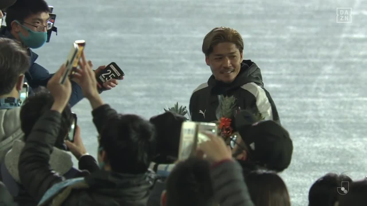 C大阪、2得点を挙げた大久保嘉人が古巣・川崎Fのサポーターから温かい祝福を受ける【第11節】川崎F vs C大阪