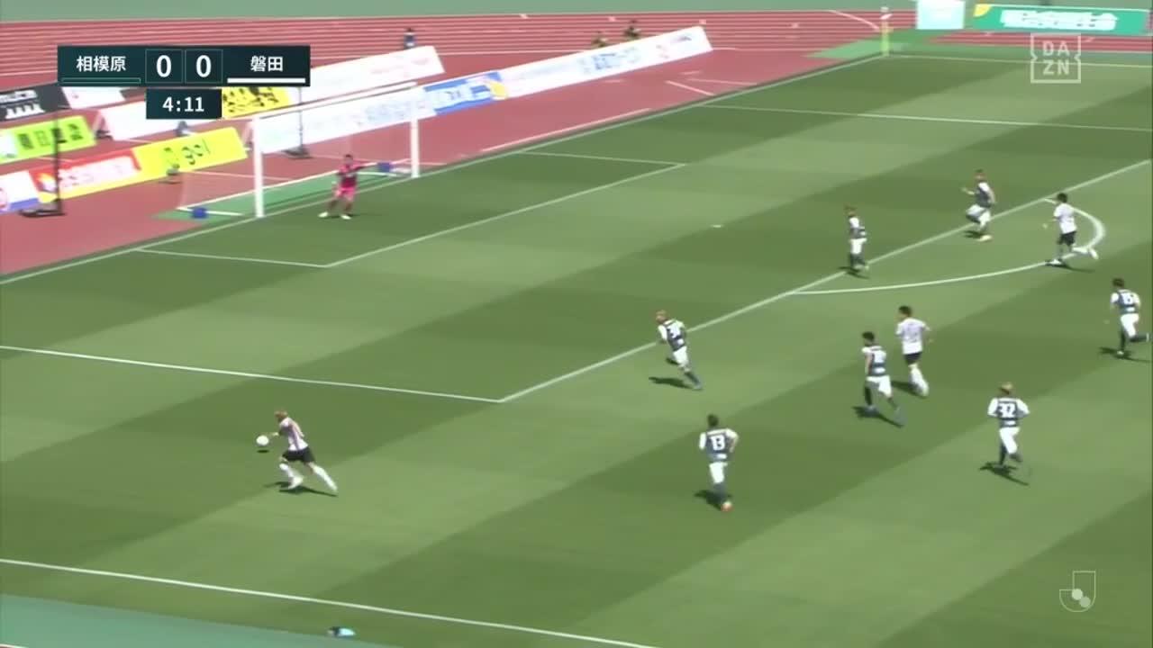 磐田、クロスに反応したルキアンが相手DFに競り勝ちヘディングシュートで先制!【第8節】相模原 vs 磐田