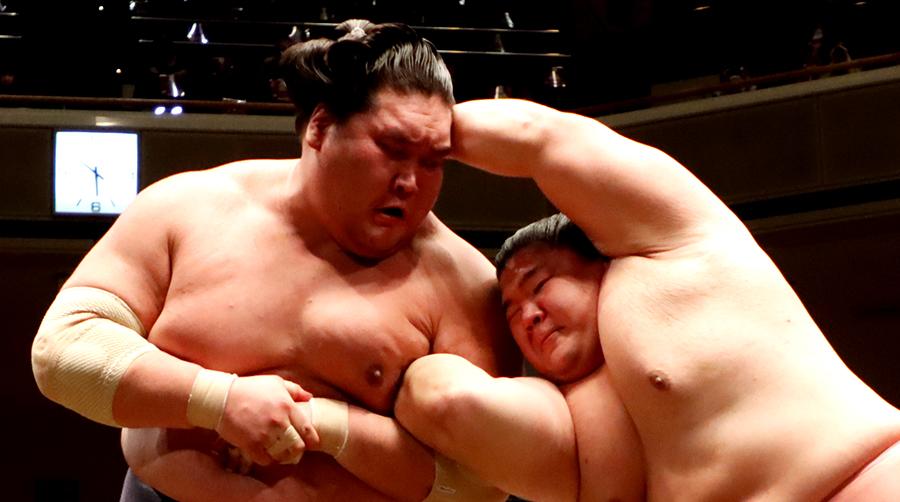 【相撲協会公式・今日の一番】十日目 宇良-横綱・照ノ富士