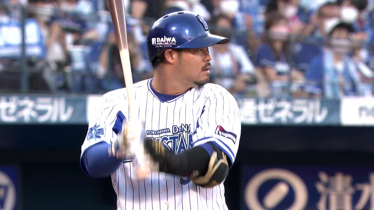 1回裏、宮崎選手が一塁線を破るタイムリーツーベースで追加点!