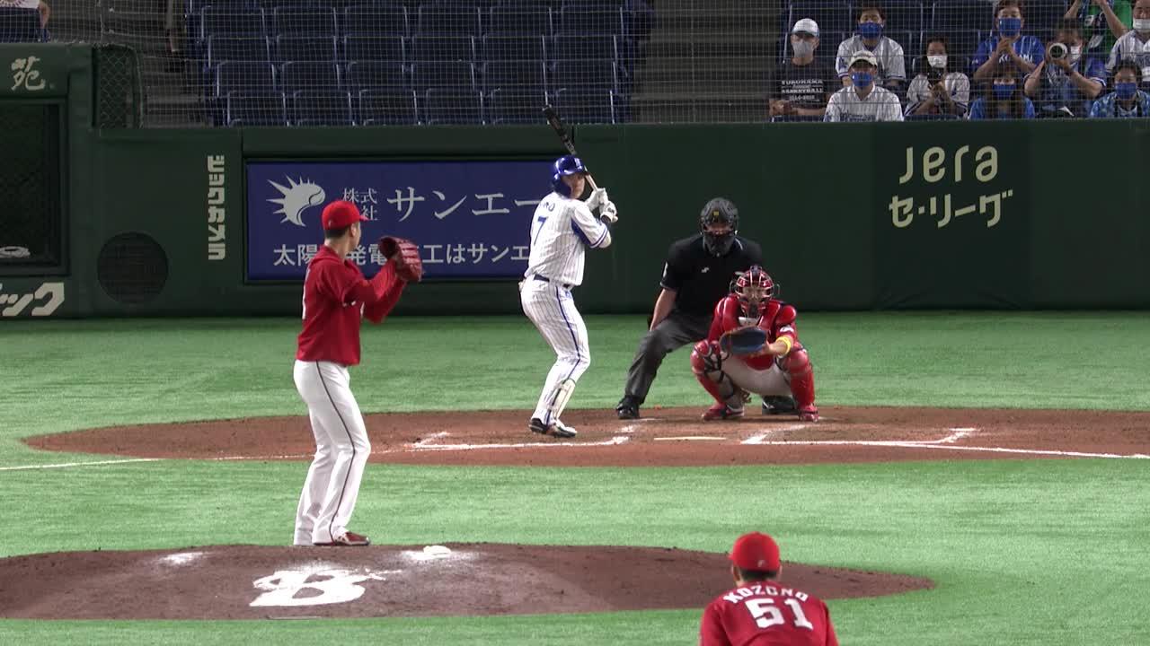 6回裏、佐野選手の第6号2ランで追加点を奪う!