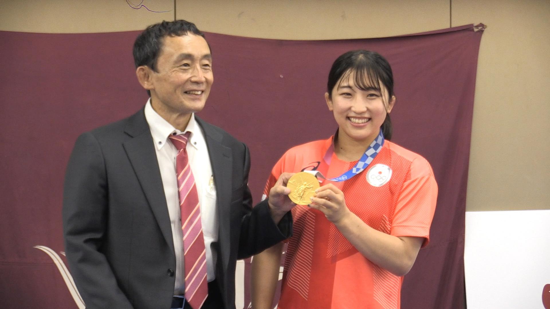 東京五輪レスリング金 須崎優衣「諦めなければ夢は叶う」