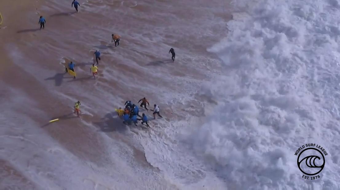 【サーフィン】ポルトガルの巨大波で一時意識不明に