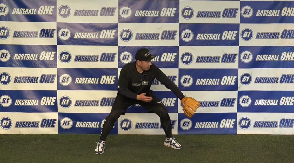 【野球練習メニュー】ゲッツー時の逆シングル捕球から送球までの練習方法