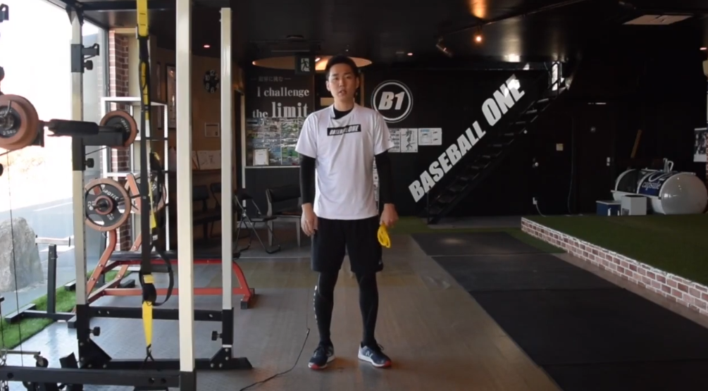 【野球トレーニング】下半身のチューブトレーニング①スクワット(Sufu)